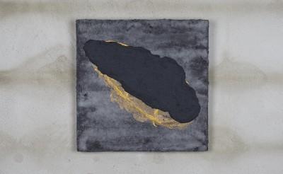 Callergues. Forma negra amb daurat.